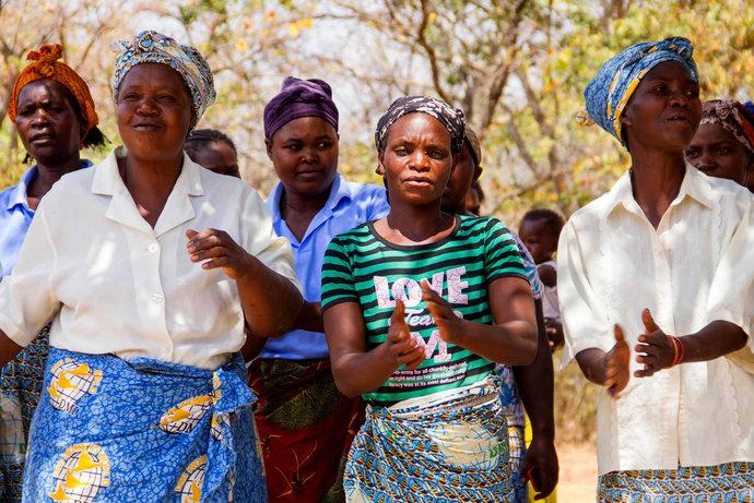 Šicí stroj pro samoživitelky v Zambii