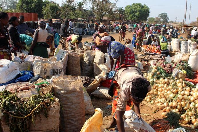 Pytel cementu do Zambie